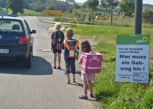 Fußweg Bolzenbach bei J-C-Schule und Schulzentrum
